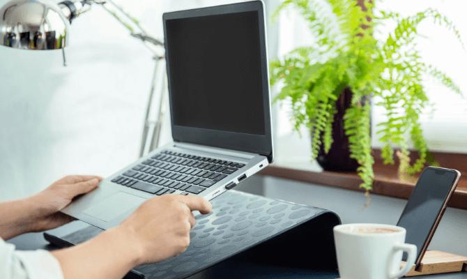 cel mai bun suport laptop ghid cumparaturi